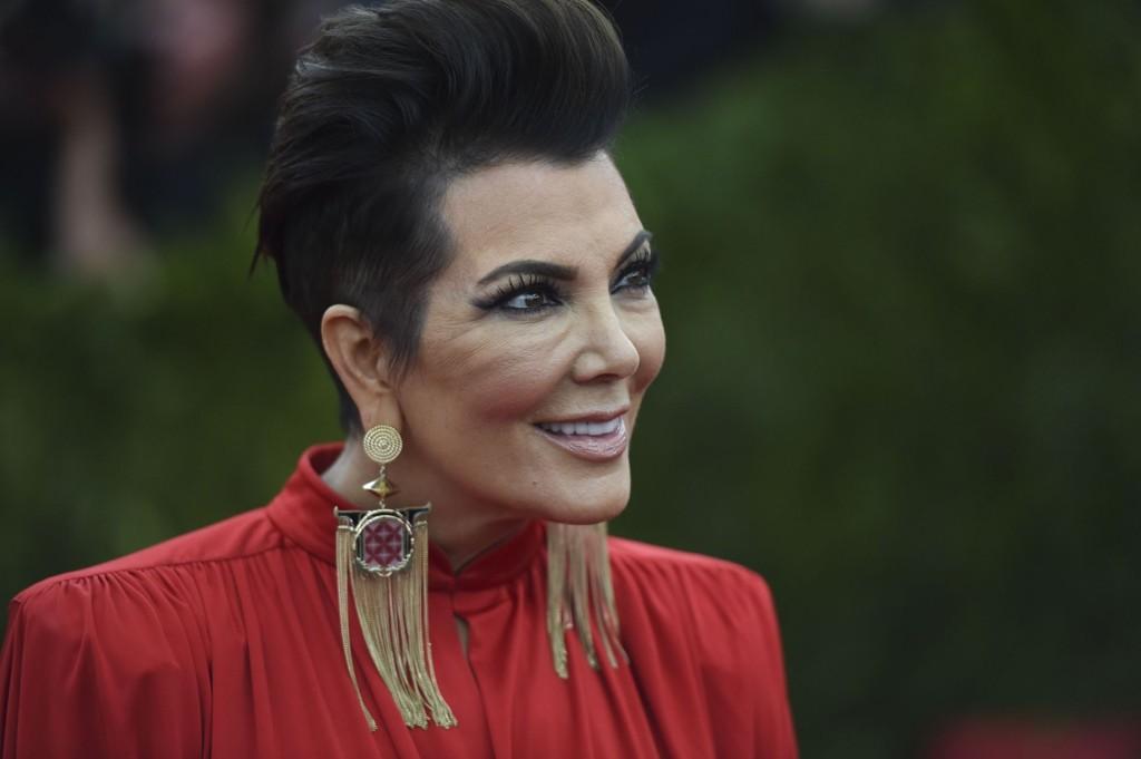 Kris Jenner og hennes avdøde eksmann Rob Kardashian var gode venner med Nicole og O.J. Simpson. Jenner sier hun alltid vil føle seg skyldig for det som skjedde med venninnen.