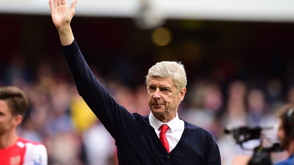 BENKET CECH: Arsene Wenger overrasket mot Olympiakos.
