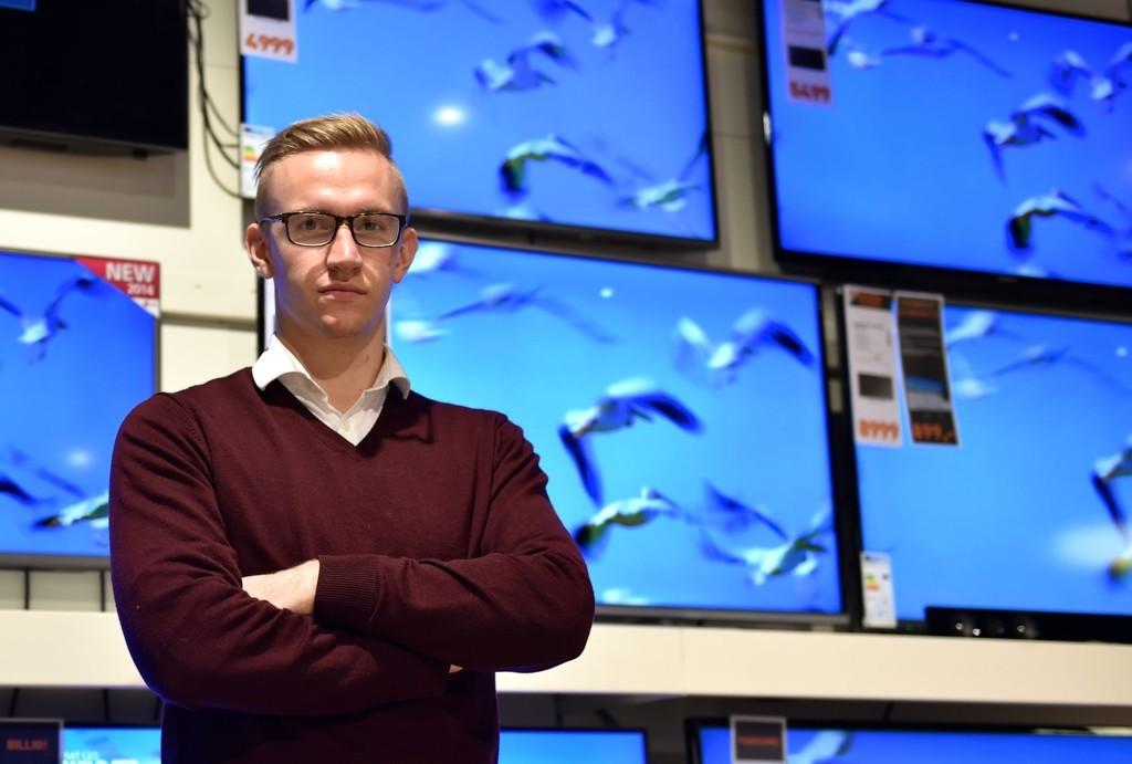 SER FÆRRE YNGRE: TV-ekspert Per Christian Strand Teslo tror unge nordmenn vil fortsette å velge bort vanlig TV.