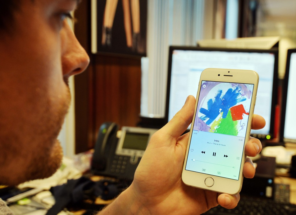 APPLE kjøper opp VocallQ, som på sikt kan hjelpe selskapet med å videreutvikle Siri.