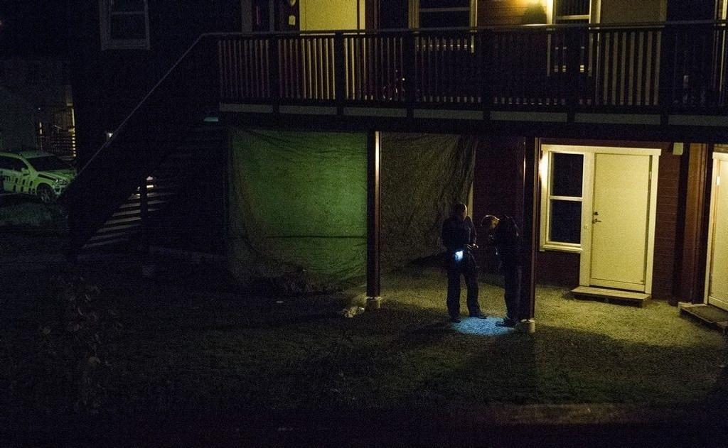 Ektemannen er pågrepet etter at Nilofer Naseri ble funnet drept på Melhus i Sør-Trøndelag. Krimteknikere jobbet på stedet mandag kveld.