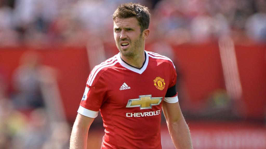 Michael Carrick er friskmeldt til søndagens toppkamp mellom Arsenal og Manchester United.