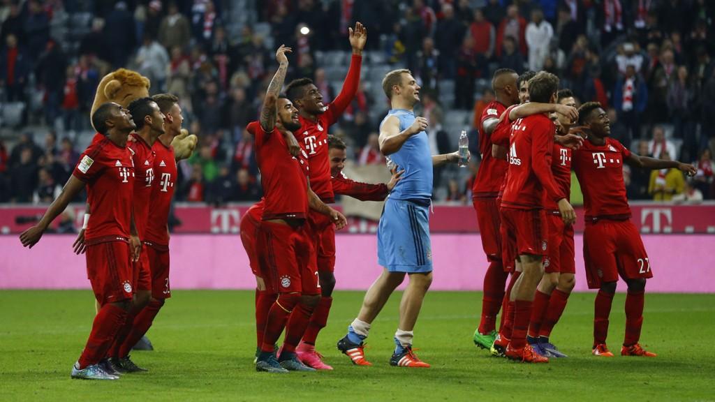 Serieleder Bayern München vant hele 5-1 hjemme mot serietoer Borussia Dortmund søndag.