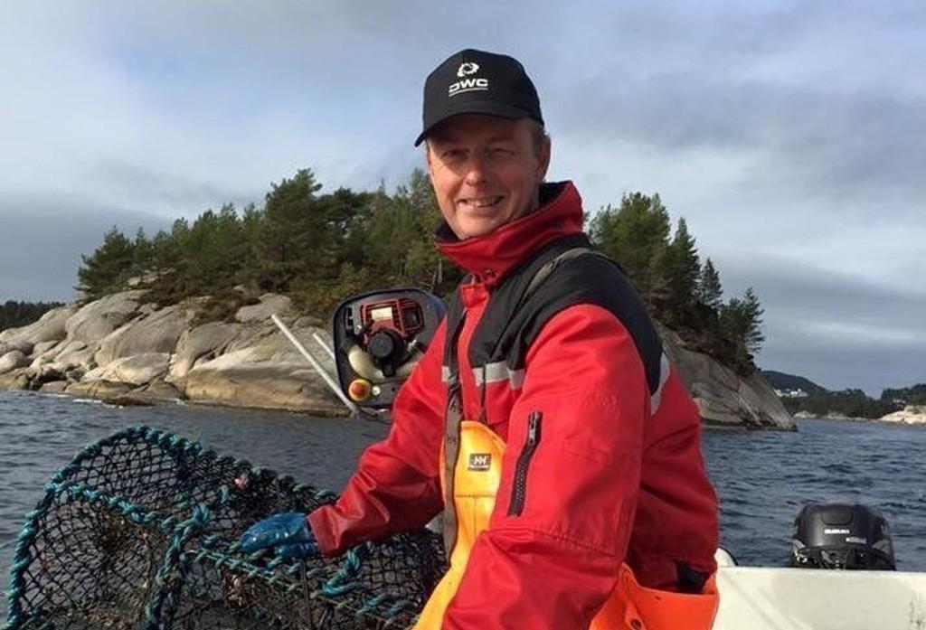HUMMERFISKE: Terje Søviknes er lidenskapelig hummerfisker, og har lært knepene av far og bestefar siden han var fire år.