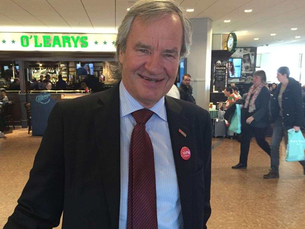 Norwegians toppsjef sier i et intervju med nyhetsbyrået Reuters at han vurderer flygninger til Edinburgh og Bergen fra flyplasser i USA som har få internasjonale flygninger i dag.