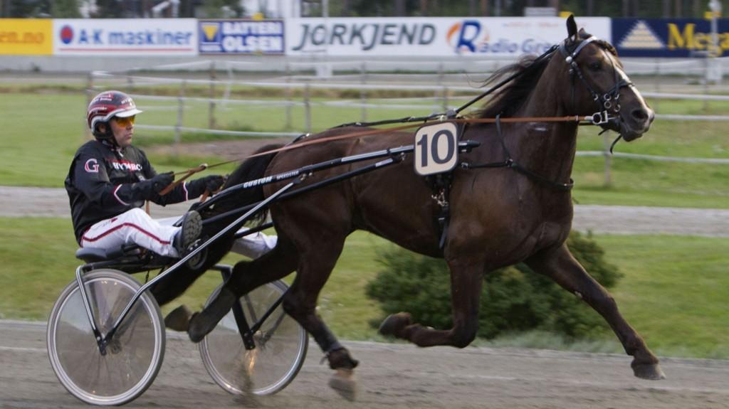 Wik Vinter og Geir Vegard Gundersen blir klare favoritter i V76-5 på Bjerke onsdag. Foto Morten Skifjeld/Hesteguiden.com
