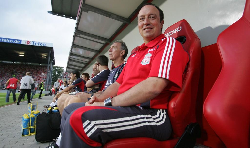 BRAKTAP: Rafael Benitez og Liverpool tapte 5-0 mot Jürgen Klopp og Liverpool.