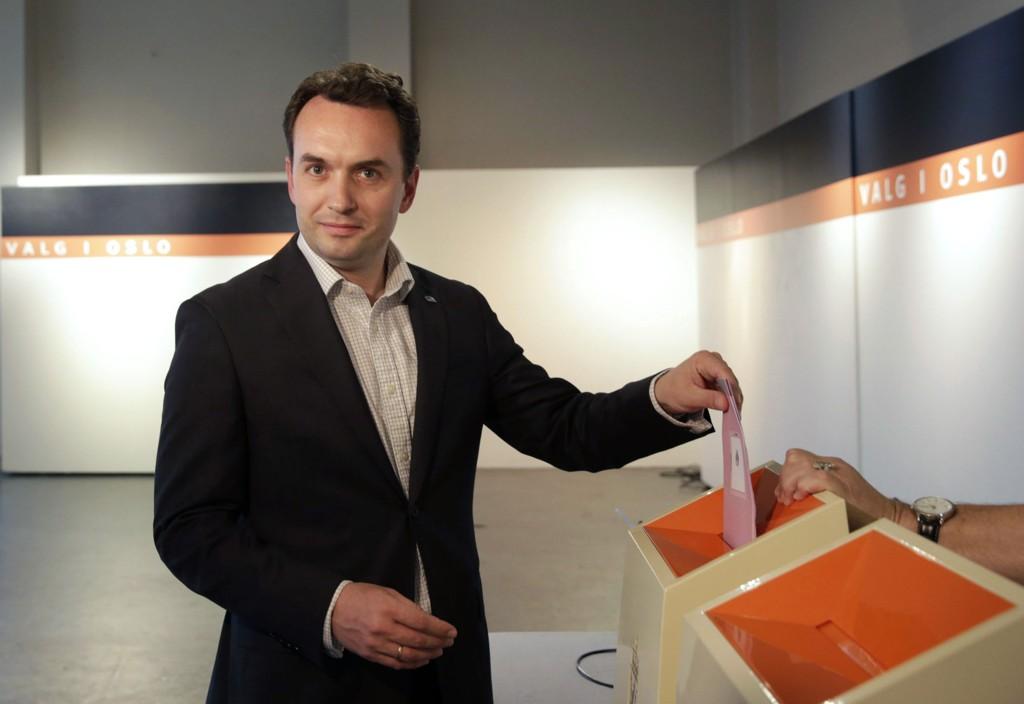 Stian Berger Røsland da han avga sin stemme under valget i september.