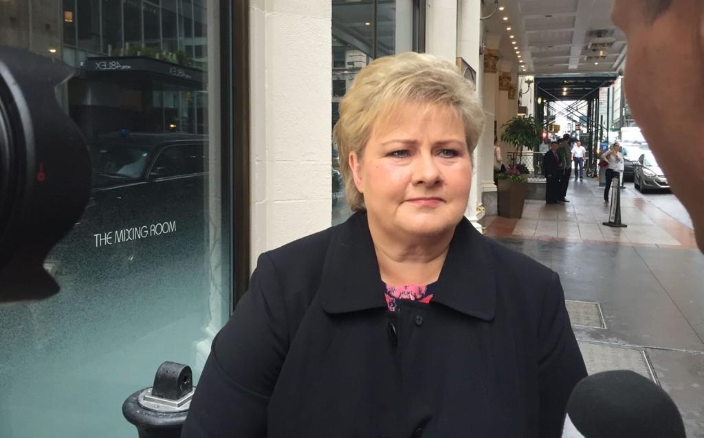 VIL KOSTE: Statsminister Erna Solberg er klar på at det store antallet flyktninger som kommer til Norge, vil koste milliarder.