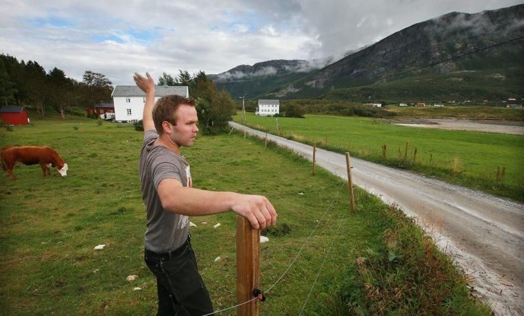 Bonde Jørgen-Andre Pedersen fortviler og går nå til politiet.