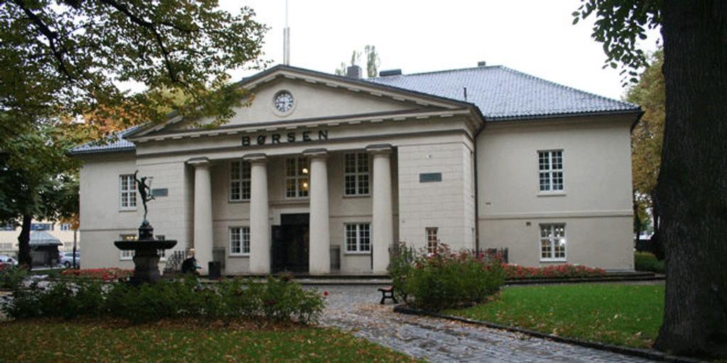 Fallende råvarepriser vil prege Oslo Børs fra start tirsdag, tror nettmegleren Netfonds.