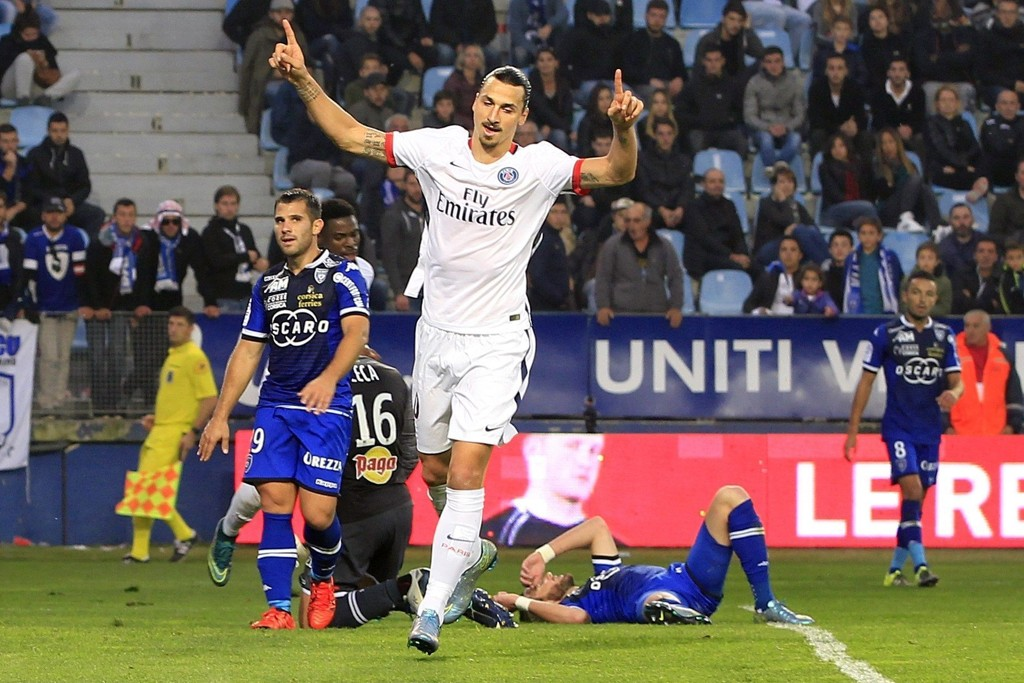 I JÄTTEFORM: Zlatan Ibrahimovic er en spiss av rang. Her har han scoret sitt andre for kvelden i helgens kamp.