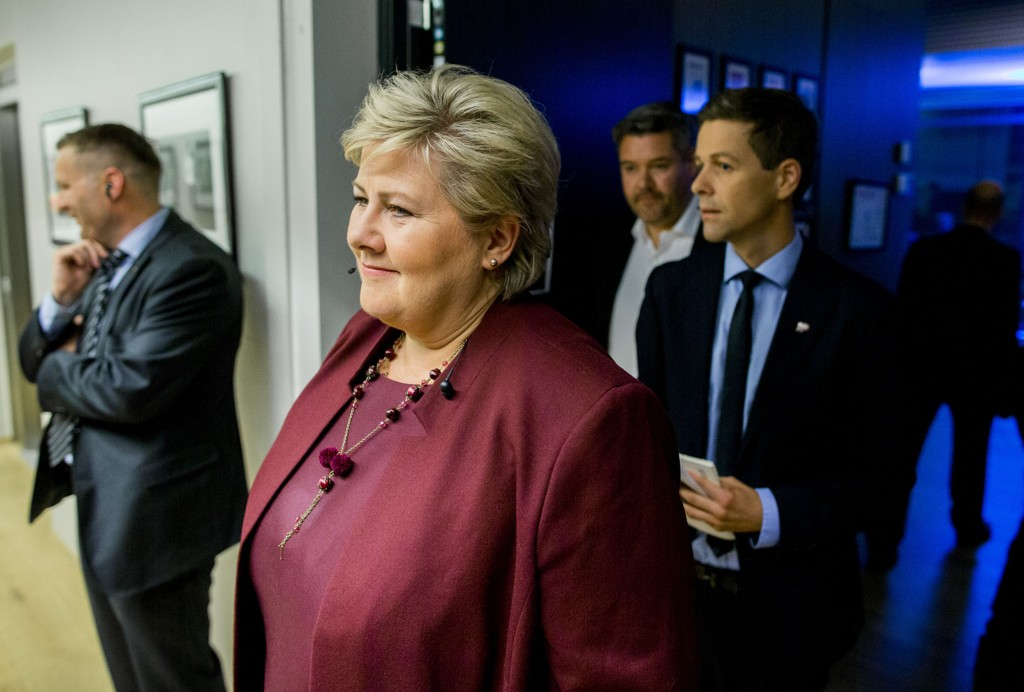 Statsminister Erna Solberg kunne glede seg over bidrag på 11 millioner kroner i valgkampen. KrFs partileder Knut Arild Hareide fikk bare smuler.