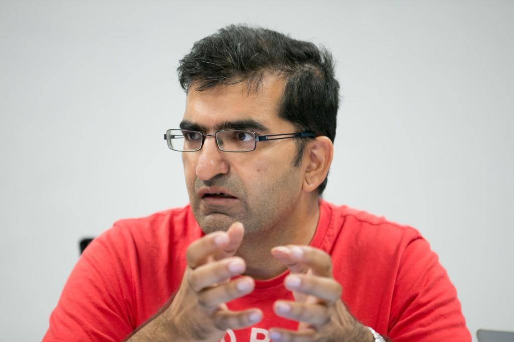 IKKE SKUFFET: Shoaib Sultan var ordførerkandidat for MDG, men endte ikke opp som ordfører. Bildet ble tatt da han var gjesteredaktør for Nettavisen i valgkampen.