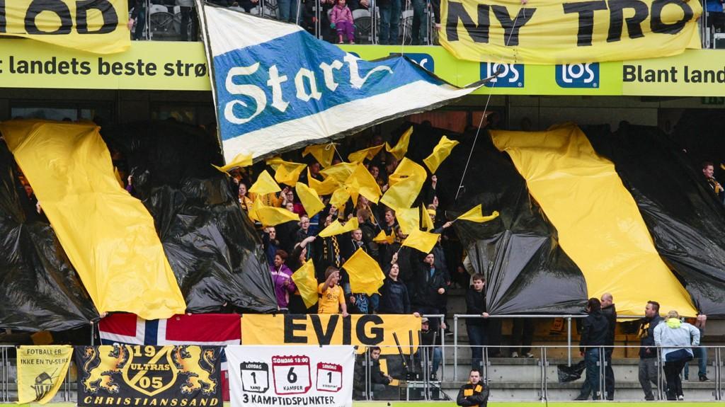 Flere Start-supportere ble tatt hånd om av politiet under eliteseriekampen mellom Sandefjord og Start. Her fra en tidligere kamp.