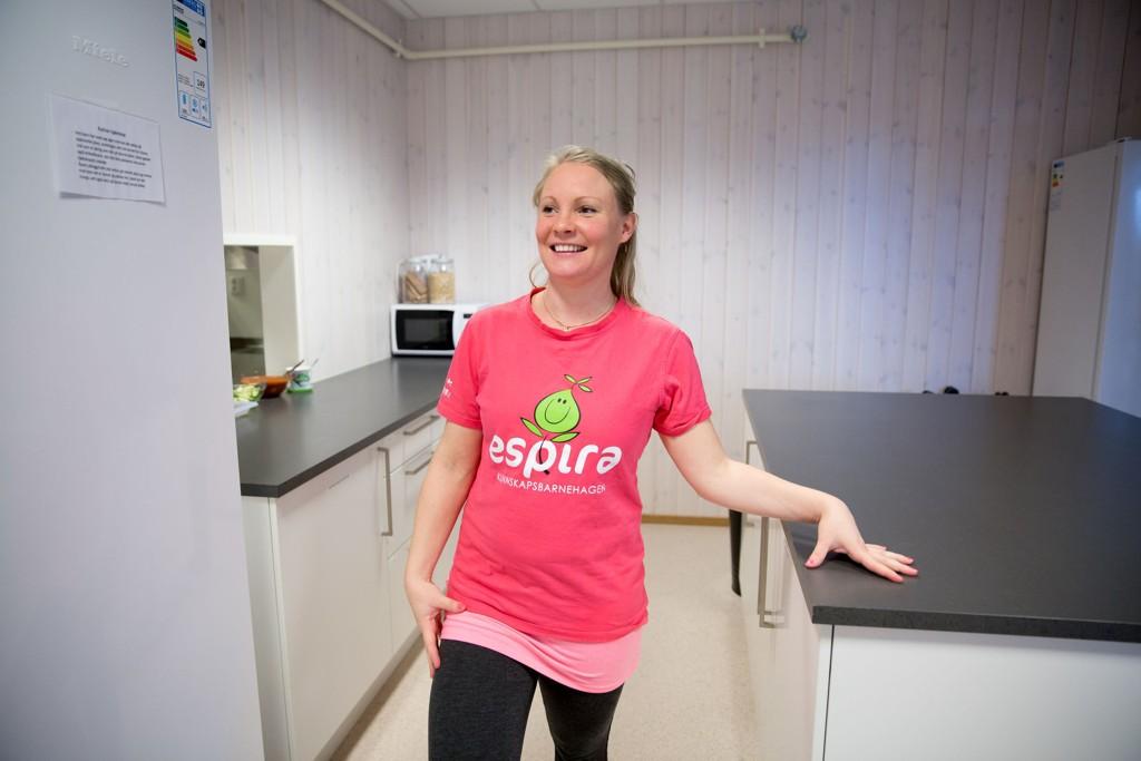 PRIVAT BARNEHAGE: Lisa Schie jobber i Espira Torshovdalen som pedagogisk leder. Espira er en av de kommersielle aktørene som det nye byrådet ikke ønsker skal vokse videre i hovedstadens barnehagemarked.
