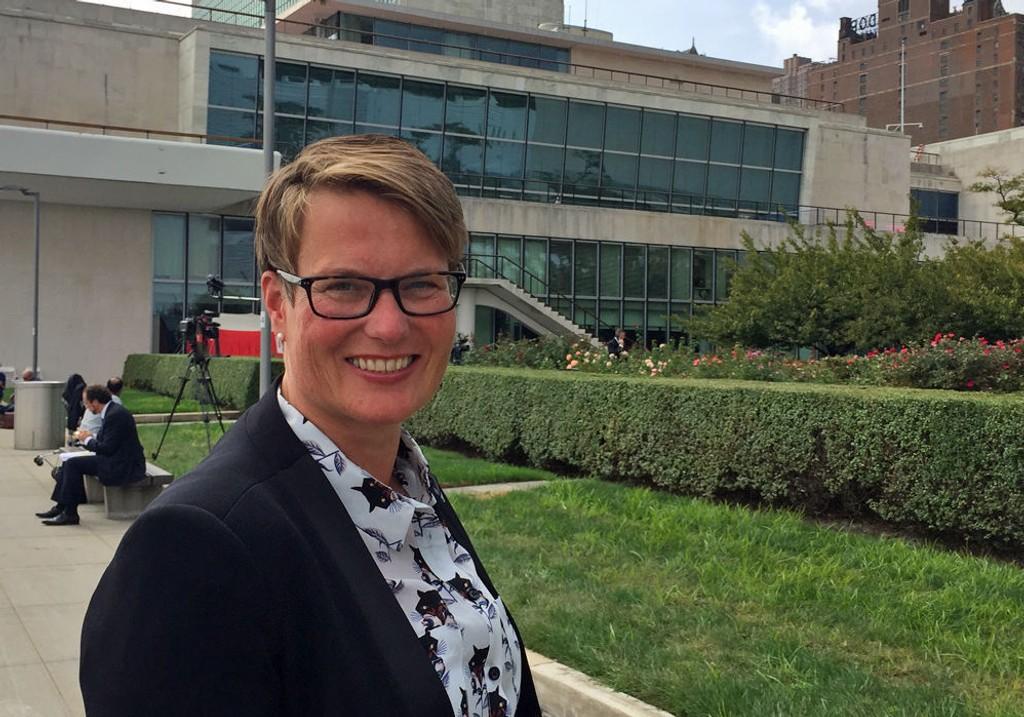 MORALSK STØTTE TIL MDGs PLAN: Høyres klima- og miljøminister Tine Sundtoft er veldig positiv til at sentrum i de store byene blir fri for privatbiler.