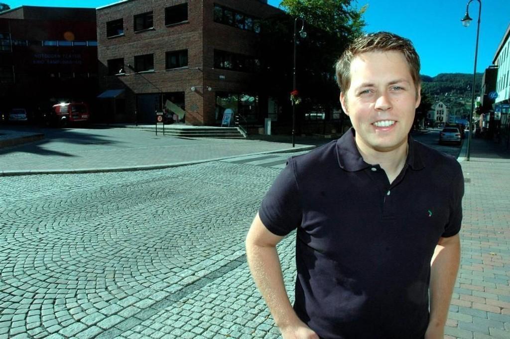 GIR SEG: Tor André Ljosland (KrF) sier opp jobben fordi kona har blitt byråd i Bergen.