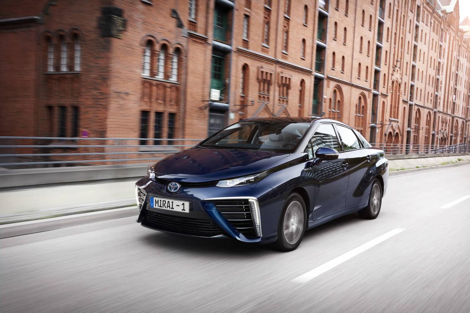 På full fart inn i fremtiden: Toyota Mirai er en ingeniørmessig bragd.