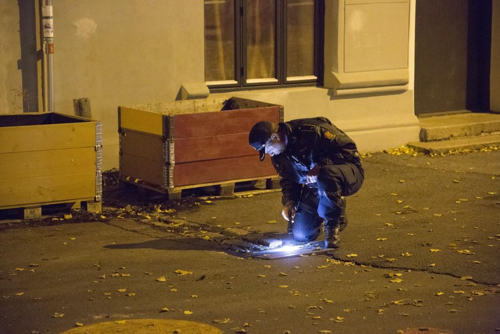 SKYTING: Det er meldt om at skutt har blitt avfyrt ved Tøyenskole i Oslo fredag kveld. Politiet har funnet tomhylser på stedet.