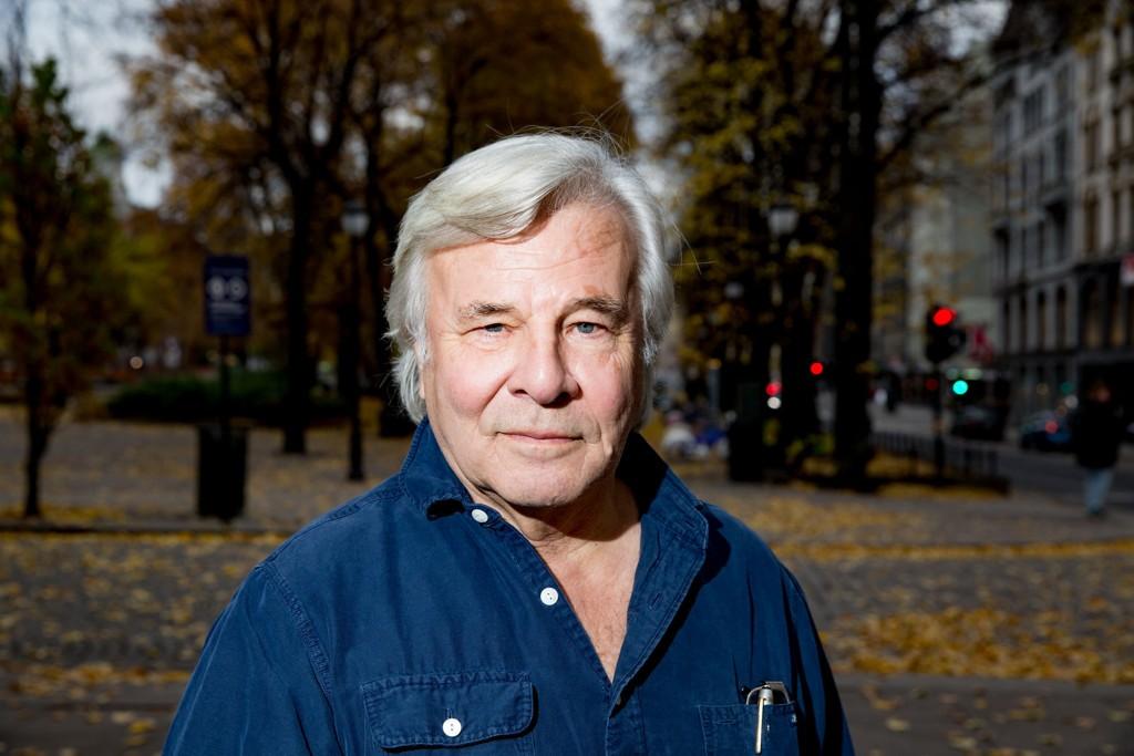 SUKSESSFORFATTEREN JAN GUILLOU har dykket ned i svenske og norske krigsarkiv og skrevet om motstandskvinner i sin femte bok i «Århundrets historie»-serien «Blå stjerne»
