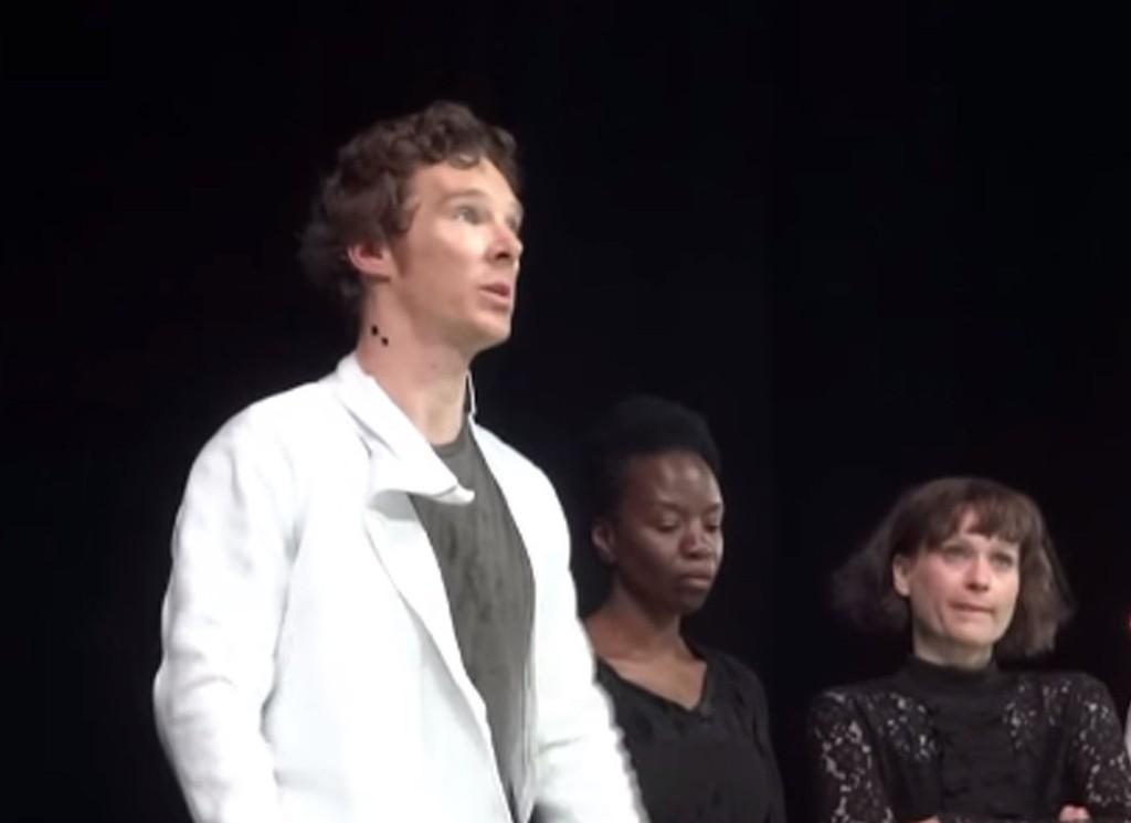 BER FOLK HJELPE TIL: Benedict Cumberbatch.