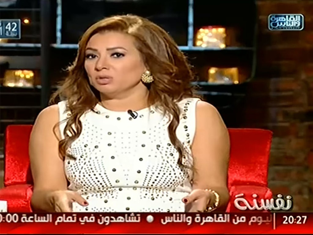 Entisar Abdel Baset Ali Mohamad (bildet) skaper sinne når hun snakker om porno på et egyptisk talkshow.