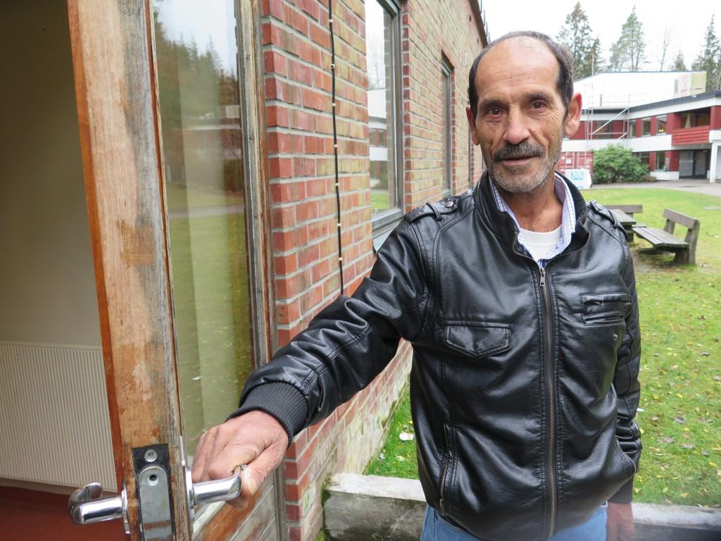 59 år gamle Muhammed er en av beboerne Nettavisen møter på Kolstad akuttmottak. Han har flyktet fra krigen i Syria og nå bodd fire uker på mottaket i Sarpsborg.
