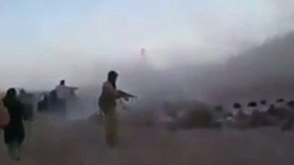 BRUTALE BILDER: Videoen skulle angivelig vise IS-militante som tar livet av en rekke barn.