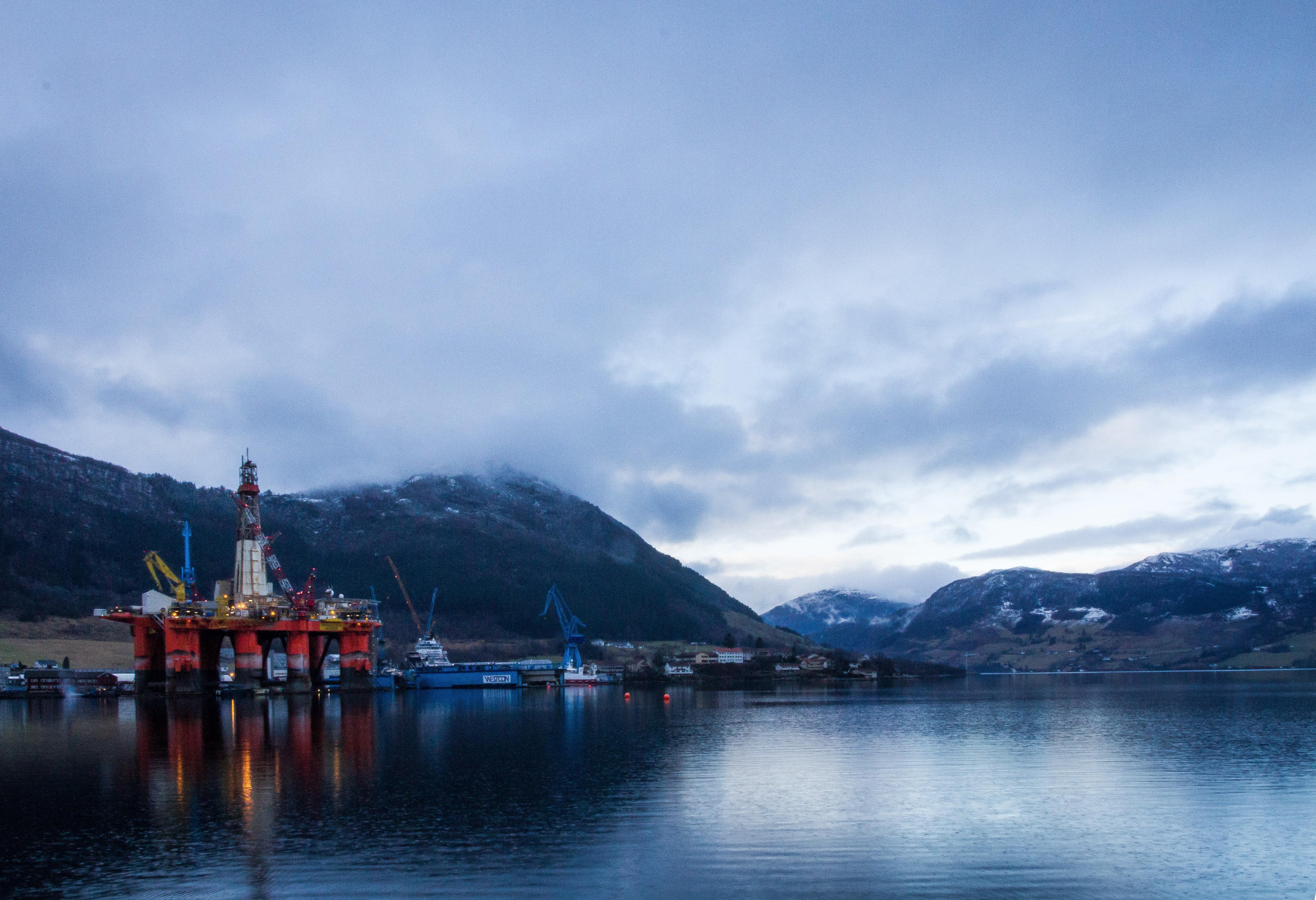 NORGE: Vakker natur og enorme oljeinntekter. Norge er virkelig et flott land å bo i. Men er vi verdens rikeste?