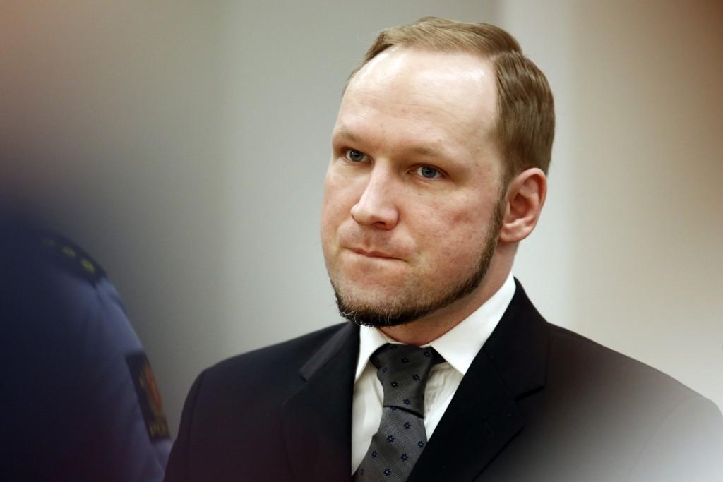 Terrordømte Anders Behring Breivik har fått visse lempinger i soningsforholdene.