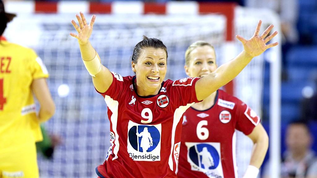 Nora Mørk og de norske håndballjentene slipper å være prøvekaniner i VM.