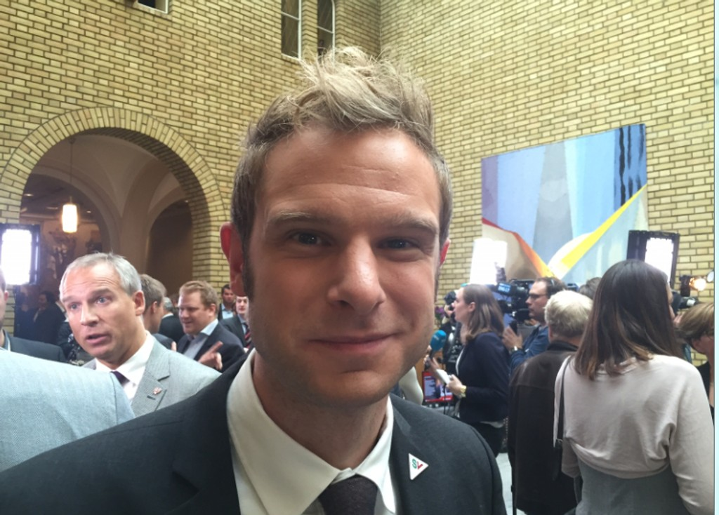 SVs finanspolitiske talsperson Snorre Valen sier til Klassekampen at partiet vil skatte eiendom mer og arbeid mindre.
