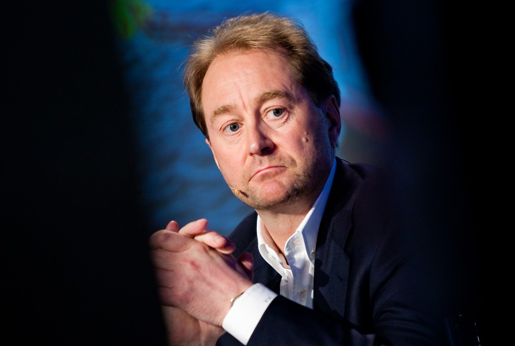 DNB Markets oppgraderer anbefalingen på Kjell Inge Røkkes Aker.