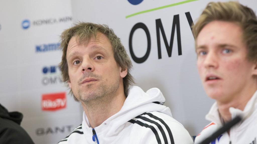 Norges landslagstrener Alexander Stöckl tok mandag ut den norske troppen som skal hoppe for Norge i verdenscupåpningen i Klingenthal.