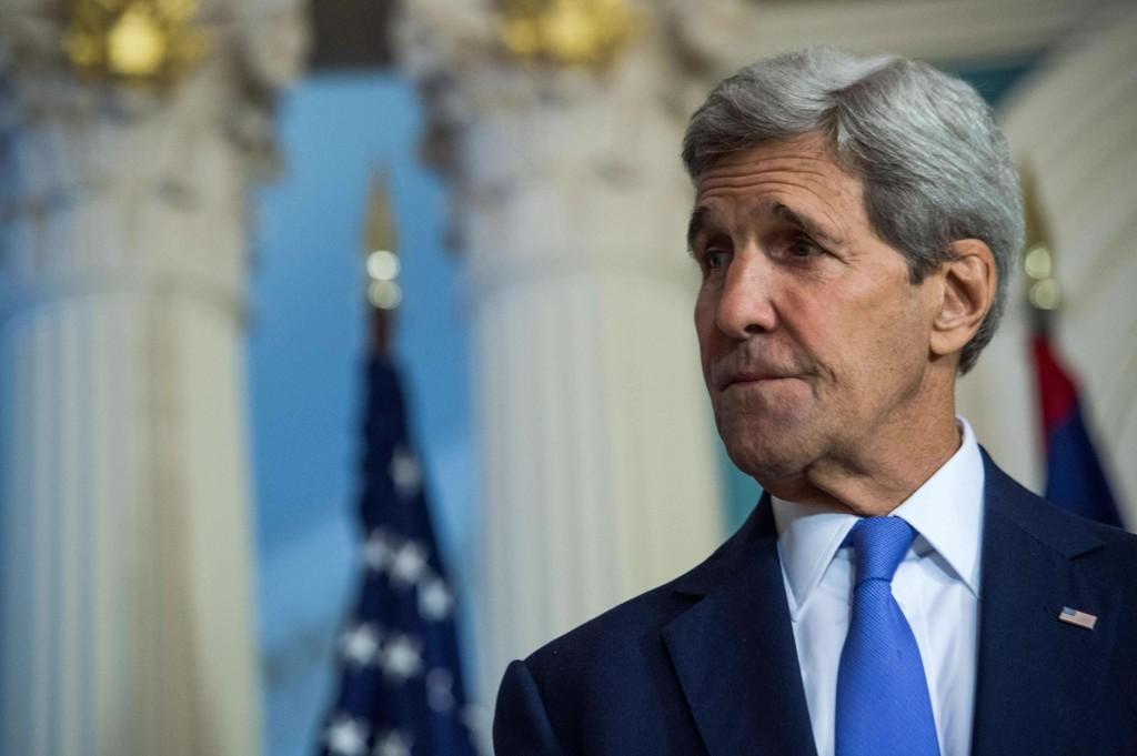 John Kerry er optmistisk etter et møte med François Hollande i Paris tirsdag.