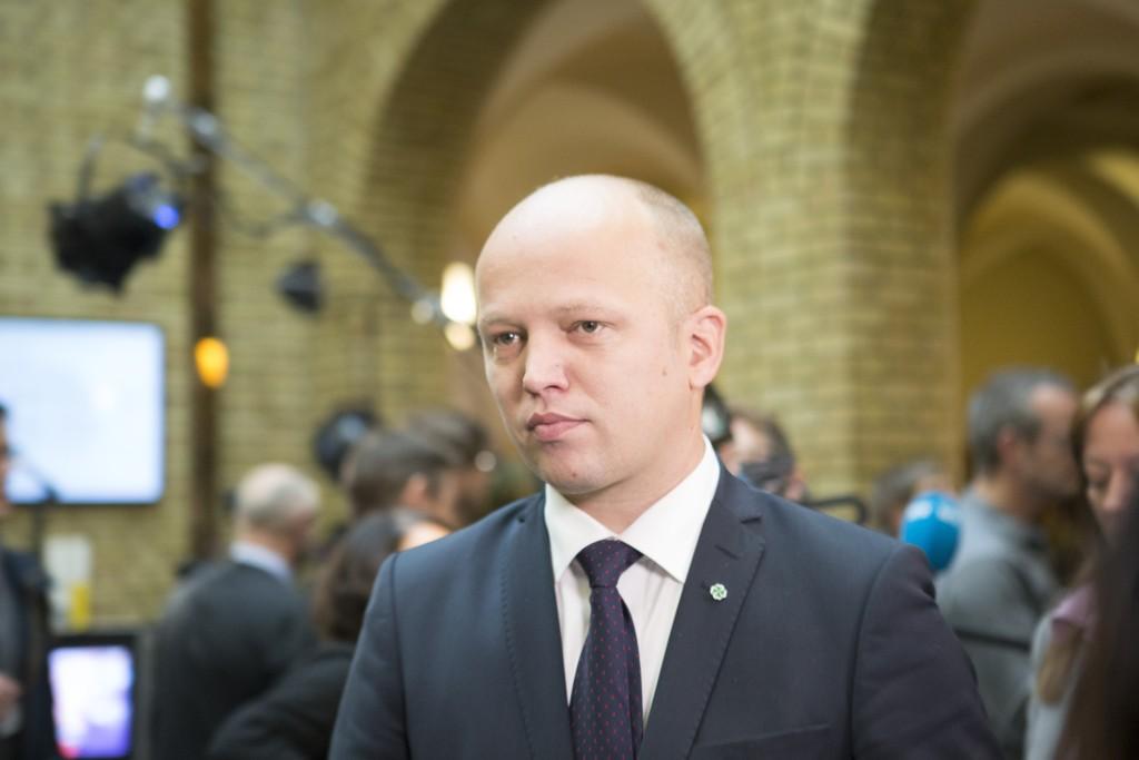 SIER NEI: Sp-leder Trygve Slagsvold Vedum sier nei til at norsk militære skal bidra med bombing i Syria.
