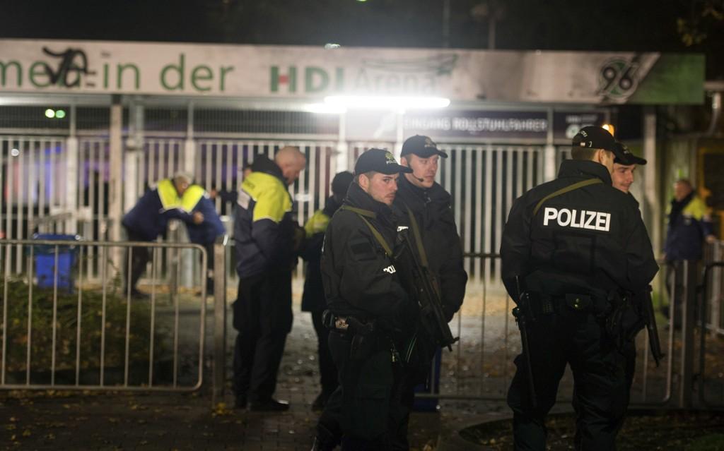 AVLYST: Vennskapskampen mellom Tyskland og Nederland ble avlyst etter at det kom inn en bombetrussel mot stadion i Hannover tirsdag kveld.