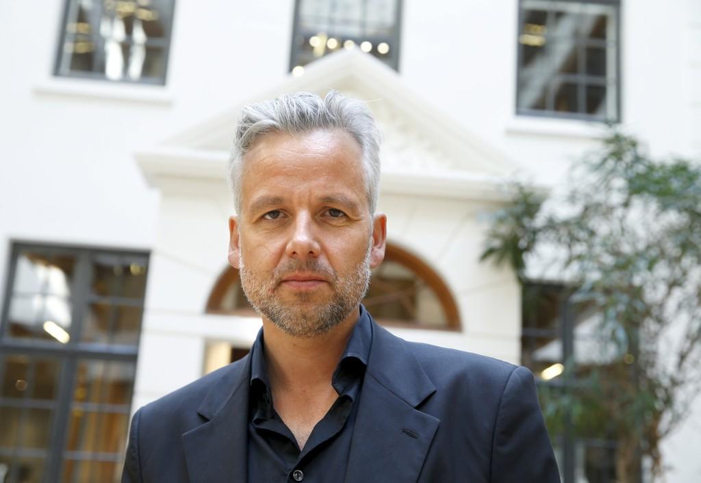 SLAKTET: Ari Behn får terninkast 1 av Vilde Imeland i Fædrelandsvennen.