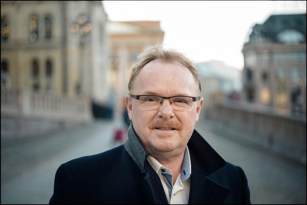 Per Sandberg i Frp holder alle muligheter åpne.