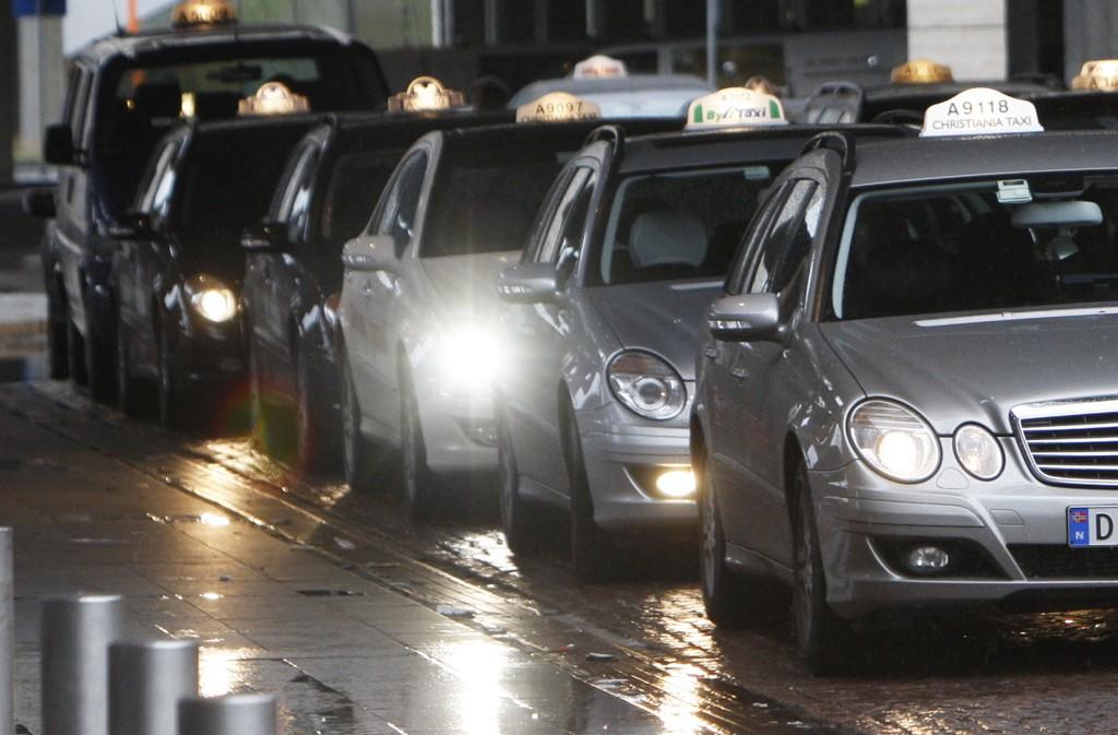 MYE TAXI: UDI frakter over 30 prosent av asylsøkerne med drosje.