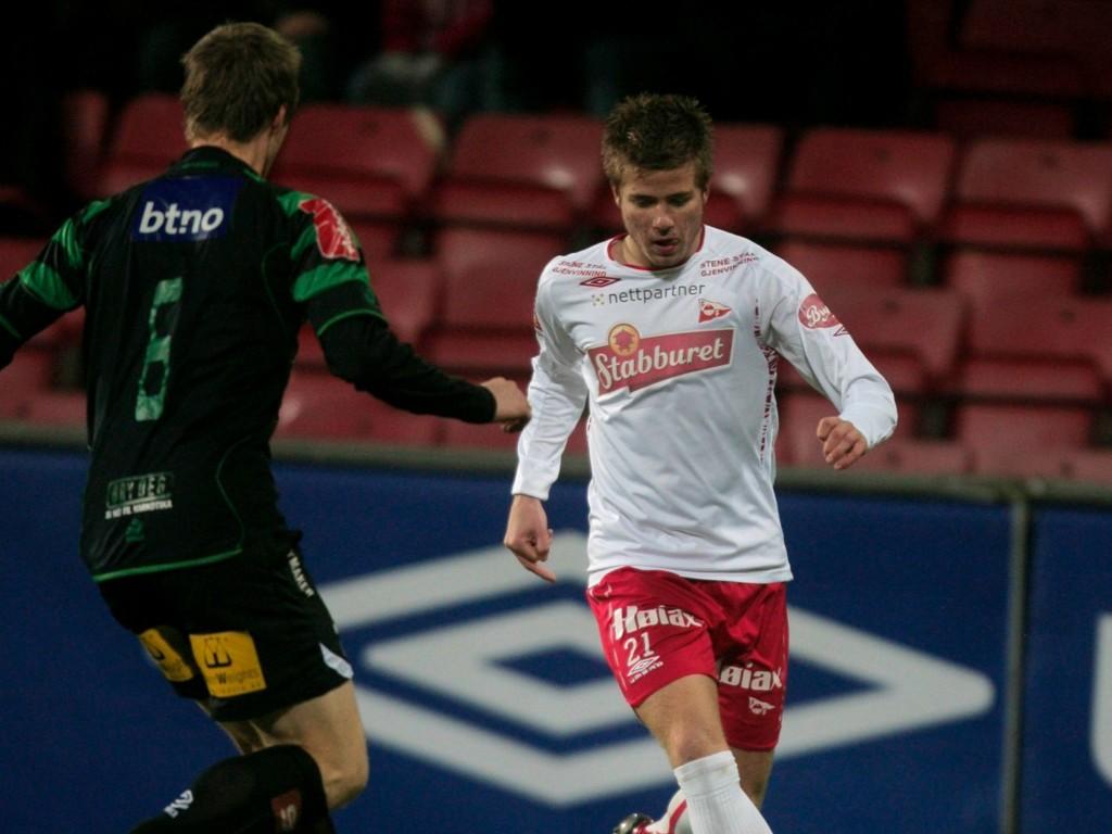 TIL SVERIGE: Fredrikstad-back Simen Rafn.