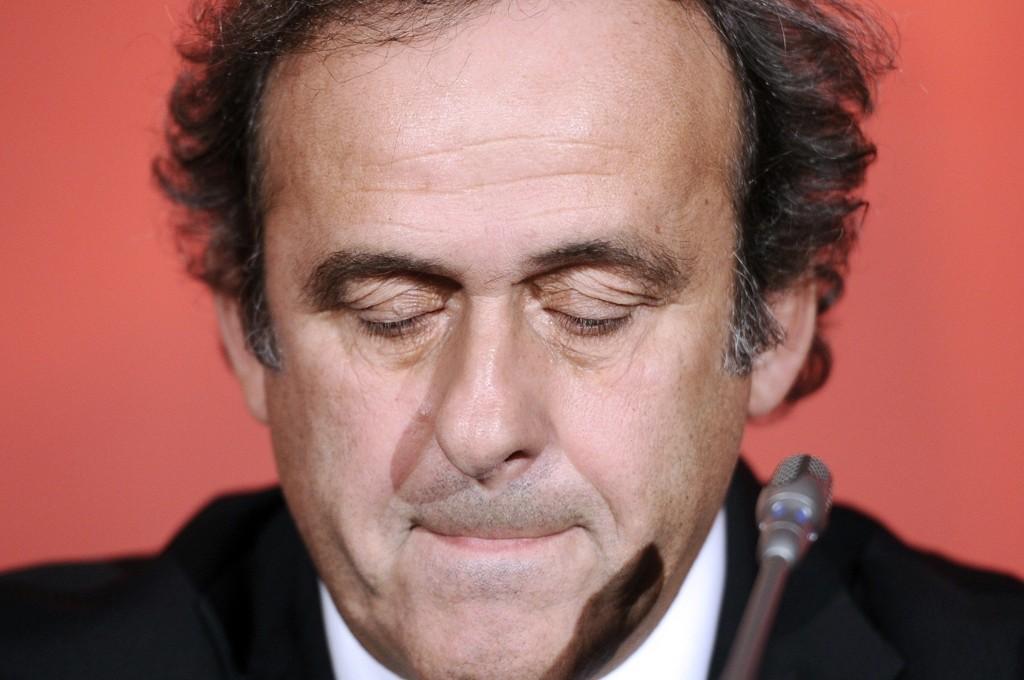 UTENFOR PÅ LIVSTID? Det internasjonale fotballforbundet FIFA tar drastiske grep mot UEFA-president Michel Platini.
