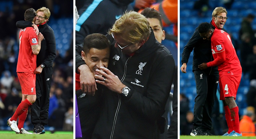 GLAD I SINE EGNE: Jürgen Klopp vet å sette pris på innsatsen til spillerne sine. Her får Dejan Lovren (fra venstre), Philippe Coutinho og Kolo Touré klemmer av manageren etter triumfen borte mot Manchester City.