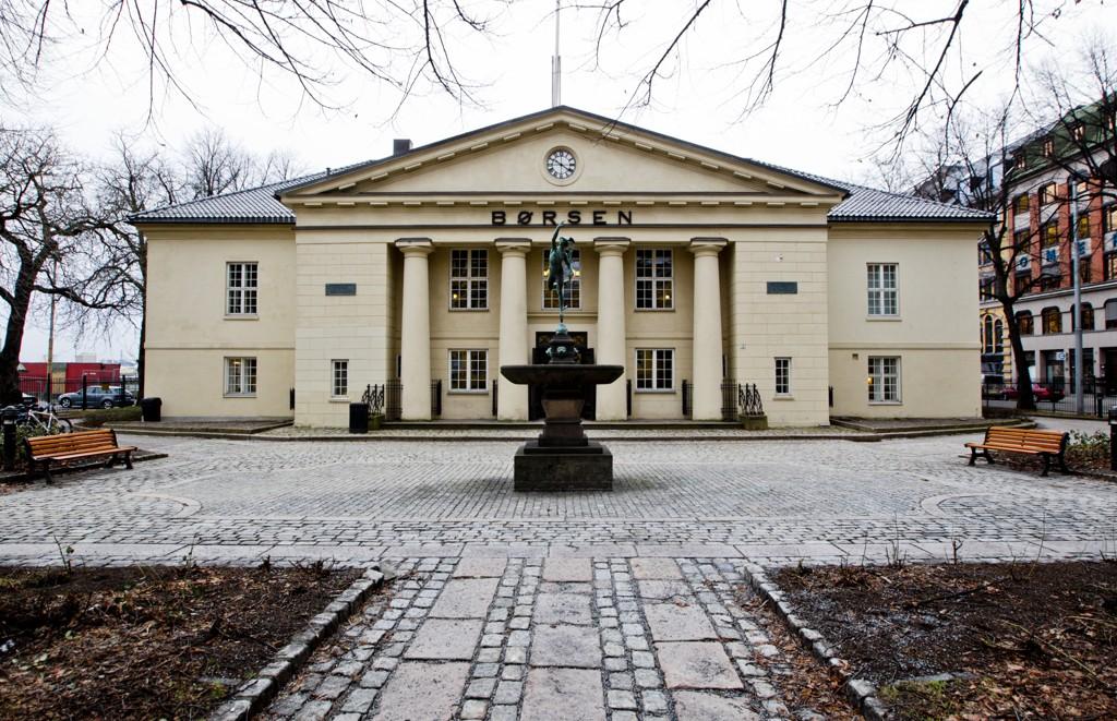 Med hjelp fra en stigende oljepris klarte Oslo Børs seg bedre enn mange andre børser tirsdag. Foto: Vegard Grøtt / NTB scanpix