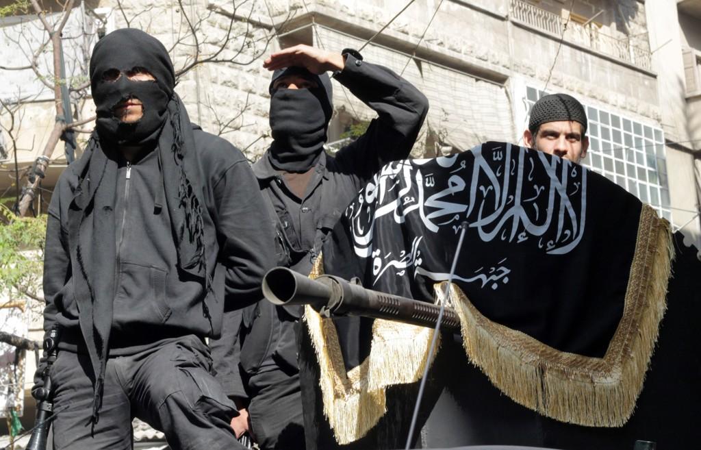 EN SELVMORDSBOMBER fra al-Nusra-avdelingen av al-Qaida skal ha drept seks IS-topper under et attentat 15. november.