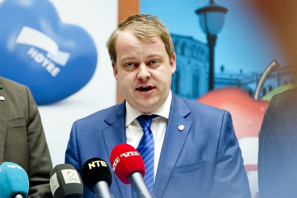 – Etter en rimelig tid, får eksempel fem år, må man forvente at de som ønsker å bo i Norge, har lært seg norsk, mener Erlend Wiborg (Frp).