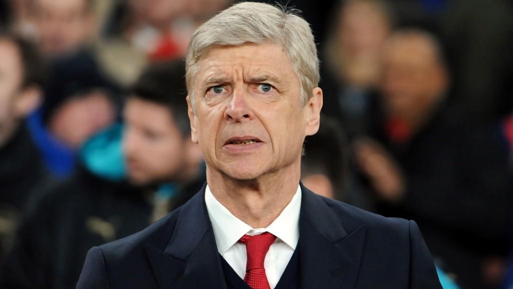 FORSVARER AVGJØRELSEN: Arsene Wenger forsvarer Arsenals avgjørelse om å fly til bortemøtet med Norwich - en flytur som tar 14 minutter.