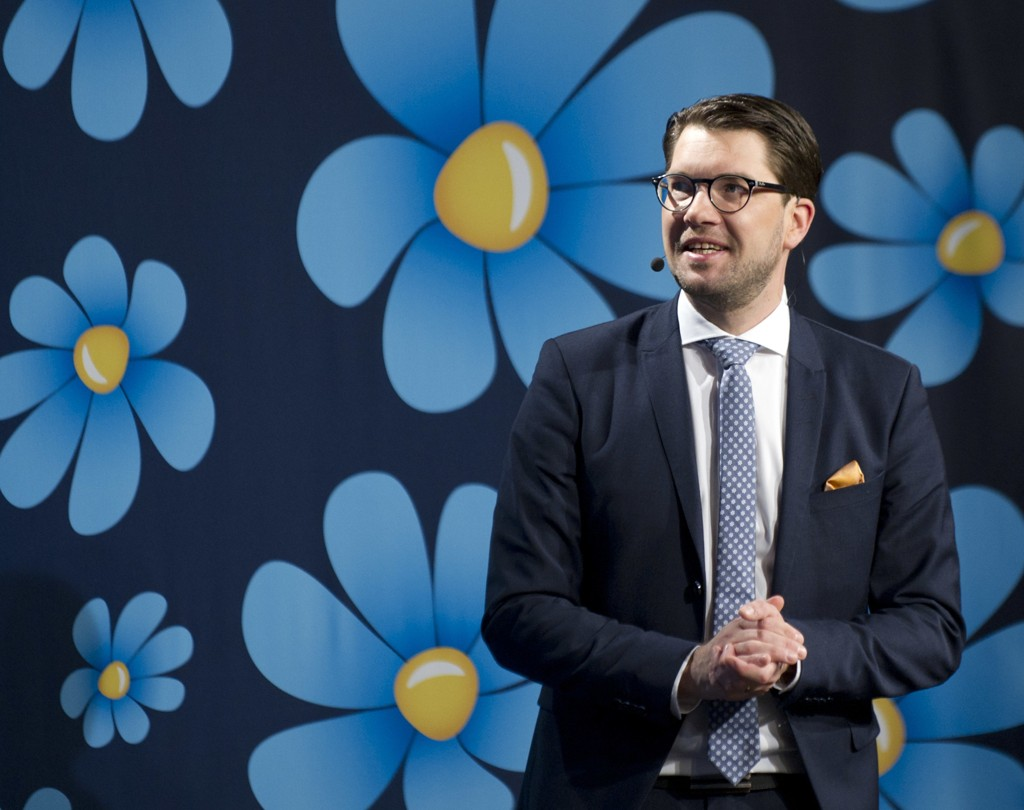 Jimmie Åkesson er gjenvalgt som partileder i SD for to nye år.