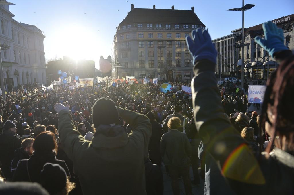 Utenriksminister Børge Brende deltar på Folkets klimamarsj i Oslo lørdag. Arrangementet er en del av Global Climate March.